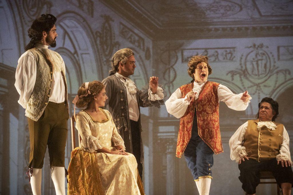 """O teatro português é """"uma grande merd*"""""""